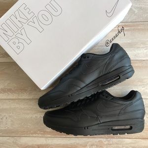 NWT Nike ID Custom Air Max 1 Triple Black